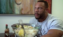 Why Eating A Pro Bodybuilder Diet Won't Make You Look Like One